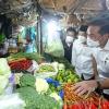 mendag-kunjungi-pasar-wonokromo-puji-harga-sembako-di-surabaya-paling-stabil