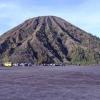 gunung-semeru-meletus-wisatawan-dilarang-masuk-radius-1-km-dari-kawah-bromo