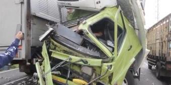 Kecelakaan Truk Tronton Vs Truk Tronton di Nganjuk, Pergelangan Tangan Sopir Putus
