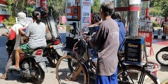 SPBU Paron Kediri Tolak Pembelian BBM Jenis Pertalite Pakai Jeriken dan Drum Kecil