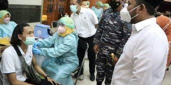 Gandeng Pemkab, Koarmada II TNI AL Gelar Serbuan Vaksinasi di Gresik
