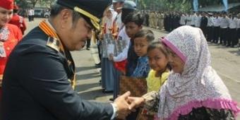 Peringati Hari Perhubungan Nasional, Pemkab Sidoarjo Santuni Dhuafa