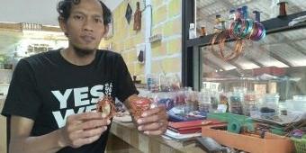 Mantan Pekerja Proyek Ubah Kawat Tembaga Jadi Aksesoris Unik, Terjual Hingga Aceh dan Papua