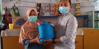 Kolaborasi dengan Gus Choi, KWG Bagikan Sembako kepada Warga Kurang Beruntung Terdampak Pandemi