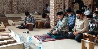 Ziarah ke Makam Pendiri Pesantren Lirboyo, Said Aqil Siap Maju Ketum PBNU Lagi