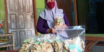 Tembus Surabaya dan Sidoarjo, Usaha Keripik Pisang Warga Kunjang Ini Laris Manis di Tengah Pandemi