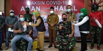 Dihadiri Bupati Gus Yani, KWG Bersama Personel Kodim 0817/Gresik Ikuti Vaksinasi Covid-19 Tahap II