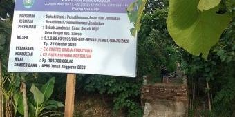 Lagi, Proyek Pembangunan Jembatan Tak Tuntas di Ponorogo, Warga Patungan untuk Beli Bambu dan Sesek