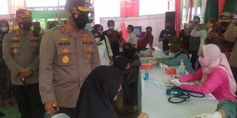 Kapolda Jatim Tinjau Vaksinasi di Pondok Pesantren Mambaul Ma'arif Jombang