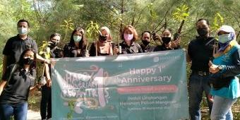 Peduli Lingkungan, Regantris Hotel Surabaya Tanam 100 Bibit Mangrove di Botanical Garden