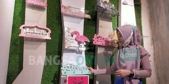 Berawal Buatkan Sang Istri Hiasan Dinding, Usaha Pria Asal Blitar Ini Tembus Pasar Asia Tenggara