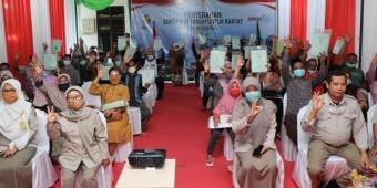 56 Warga Kelurahan Pohjentrek Kota Pasuruan Terima Sertifikat PTSL