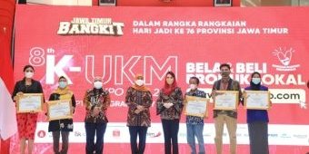 Buka 8th KUKM Expo Hybrid 2021, Khofifah: Momen Kebangkitan Ekonomi Jatim, Perkuat Kontribusi KUMKM