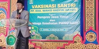 Keluarga Besar Ponpes KHA Wahid Hasyim Bangil Pasuruan dan 490 Santri Divaksin Dosis I