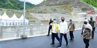 Presiden Resmikan Bendungan Tukul, Gubernur Khofifah: 600 Hektare Saluran Irigasi Teraliri Air
