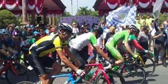 Etape 2 Dimulai, Wali Kota Madiun Lepas Pembalap Sepeda Tour de Indonesia 2019