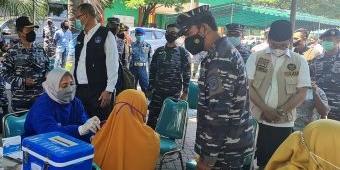 Koarmada II TNI AL Gelar Serbuan Vaksinasi Covid-19 di Bangkalan