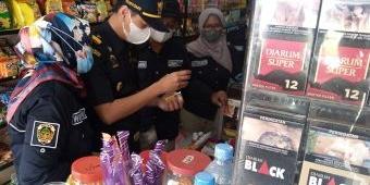 Gempur Peredaran Rokok Ilegal, Pemkab dan Bea Cukai Madiun Sidak Pita Cukai di Kecamatan Kare