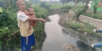 Pemasangan Pipa Limbah di Sungai Selorawan Pasuruan Diduga Belum Berizin