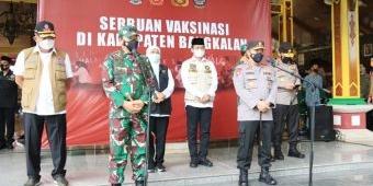Kapolri dan Panglima TNI Gandeng Ulama dan Tokoh Masyarakat Tekan Angka Covid-19 di Bangkalan