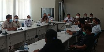Didatangi PKL, Pemkab Kediri Kaji Pembukaan Kawasan Simpang Lima Gumul
