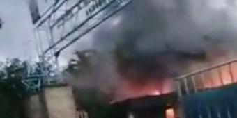 Korsleting, Gudang Bekas Pabrik Kertas di Probolinggo Terbakar