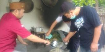 Setelah GP Ansor, Kader IPNU-IPPNU Kediri Juga Ikut Bagikan Jamu Racikan Penambah Imun