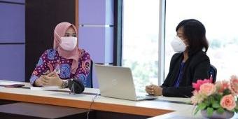 Tekan Tingkat Stres Warga Saat Isoman, RSUD Gambiran Ciptakan Zoominar Bertajuk Kesehatan Mental