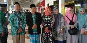 Umrohkan 38 Orang JKSN & Muslimat NU, Kiai Asep Penuhi Nadzar Kemenangan Khofifah dan Jokowi
