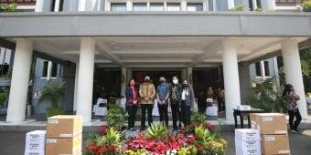 Giliran Mayapada Group Bagikan Sembako Buat Warga Surabaya
