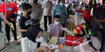 Polres Kediri Kota Berkolaborasi Dengan FKBN Gelar Vaksinasi Massal