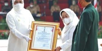HSN 2021, Gubernur Khofifah Beri Penghargaan Pencipta Shalawat Badar dan Syubbanul Wathan