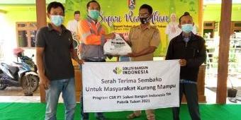 Jelang Lebaran, PT SBI Tuban Salurkan Ribuan Paket Sembako