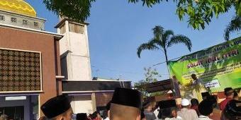 Sholat Idul Fitri di Masjid Muttaqien Laden Pamekasan Berlangsung Tertib