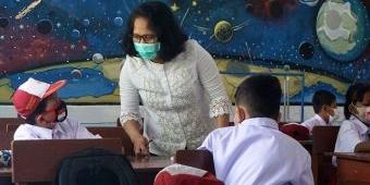 Mengabdi 18 Tahun, 5 Kali Gagal Tes CPNS, Tari Bersyukur Dapat Lolos P3K Kota Kediri
