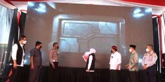 Pertama di Indonesia, Khofifah Luncurkan Smart Card dan Cashless di Terminal Anjuk Ladang Nganjuk