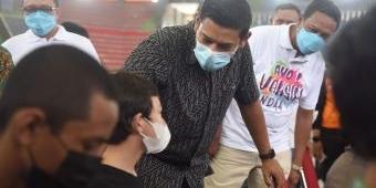 Tinjau Vaksinasi Massal, Wali Kota Kediri: Target Vaksinasi Bisa Tercapai dengan Kolaborasi