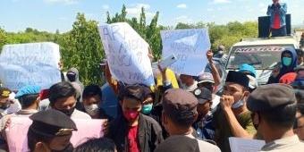 Tuntut Penyelesaian Soal Sewa Lahan, Puluhan Warga Desa Pandan Pamekasan Demo PT Garam