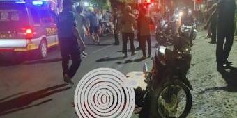 Sadis, Pria Terkapar Bersimbah Darah di Jalan Raya Balongsari Surabaya