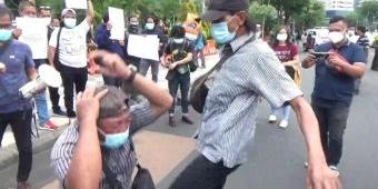 Ratusan Wartawan di Surabaya Gelar Aksi Solidaritas untuk Nurhadi