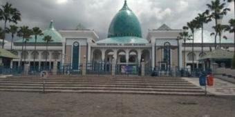 Tutup Sementara untuk Umum, Masjid Al-Akbar Surabaya Gelar Jumatan hanya untuk Internal