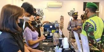 Petugas Gabungan Gencarkan Operasi Yustisi di Masa Uji Coba New Normal Kota Blitar
