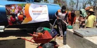 Peduli Dampak Kekeringan, Rumah Zakat Grojok Air Bersih Sejumlah Daerah di Pamekasan