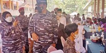 TNI AL Gelar Serbuan Vaksinasi di Ponpes Darul Ulum Jombang