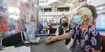 Vaksinasi Dosis Kedua di ITS Dapat Dukungan Wali Kota Eri