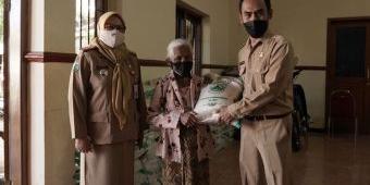 Hindari Rawan Pangan di Masa Pandemi, Pemkot Batu Bagikan Bantuan Beras
