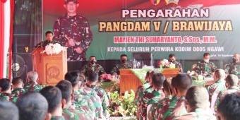 Kunjungi Kodim Ngawi, Pangdam V/Brawijaya Ingatkan Banyaknya Anggota yang Meninggal Akibat Covid-19