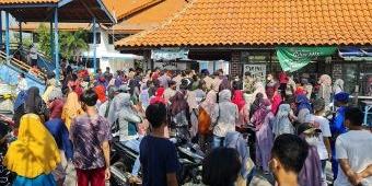 Vaksinasi di ASDP Diserbu Warga Bangkalan, Antrean Tembus 2.000 Orang