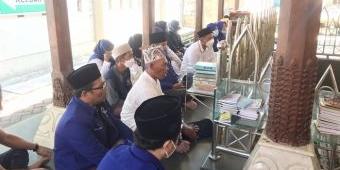 Peringati HSN 2021, NasDem Gresik Ziarah ke Makam Waliyullah hingga Nyantri Sehari di Ponpes