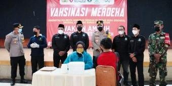 Kejar Target 70 Persen, Polresta Sidoarjo Gandeng Pagar Nusa Gelar Vaksinasi Covid-19 di Bluru Kidul